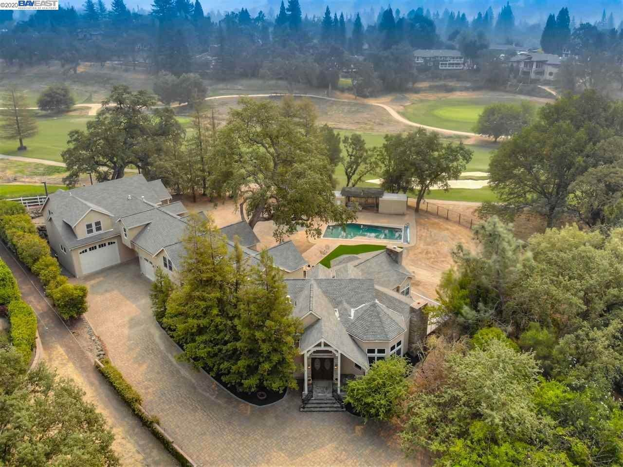 Single Family Homes pour l Vente à 2665 Caballo Ranchero Drive Diablo, Californie 94528 États-Unis