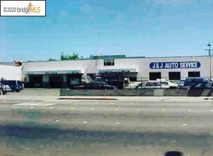 Commercial for Sale at 3131 Macdonald Avenue Richmond, California 94804 United States