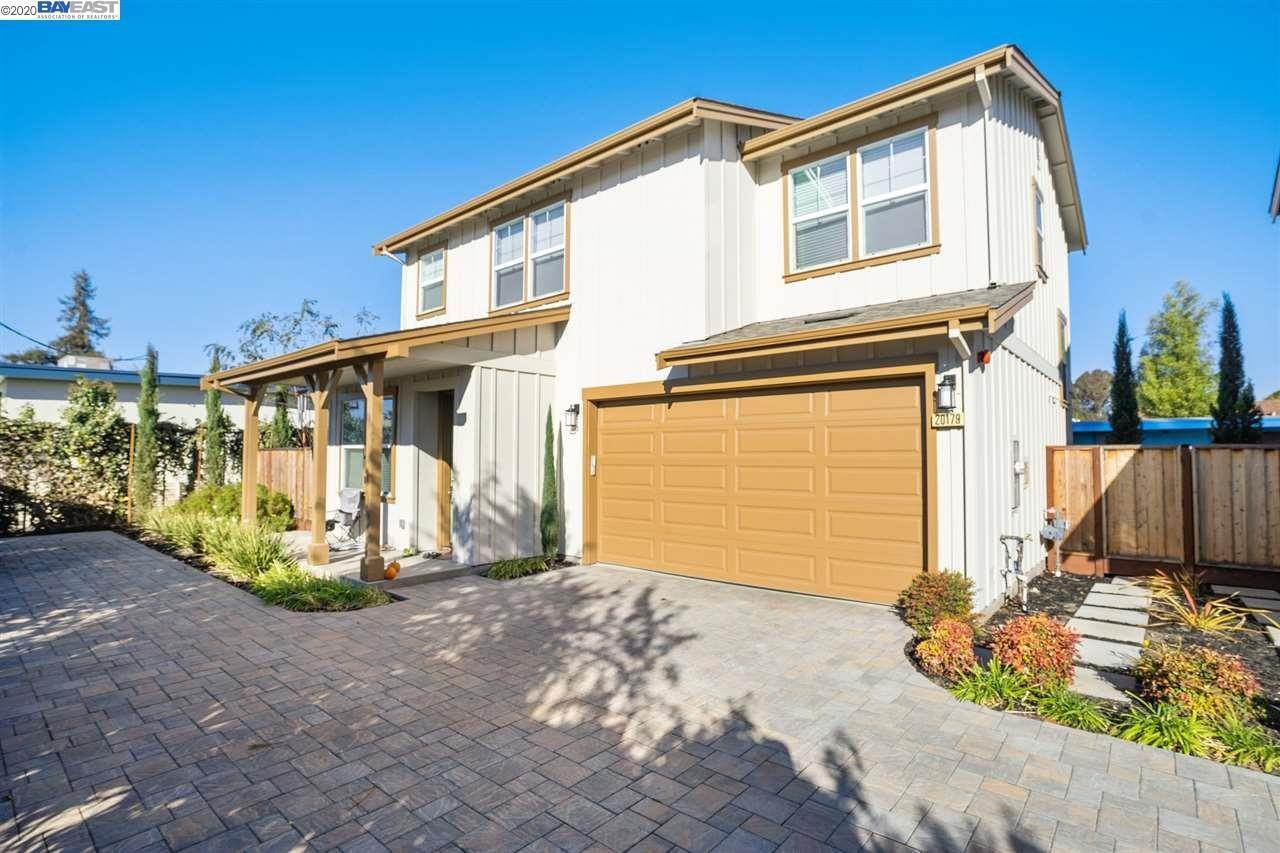 Multi-Family Homes pour l Vente à 20175 San Miguel Avenue Castro Valley, Californie 94546 États-Unis