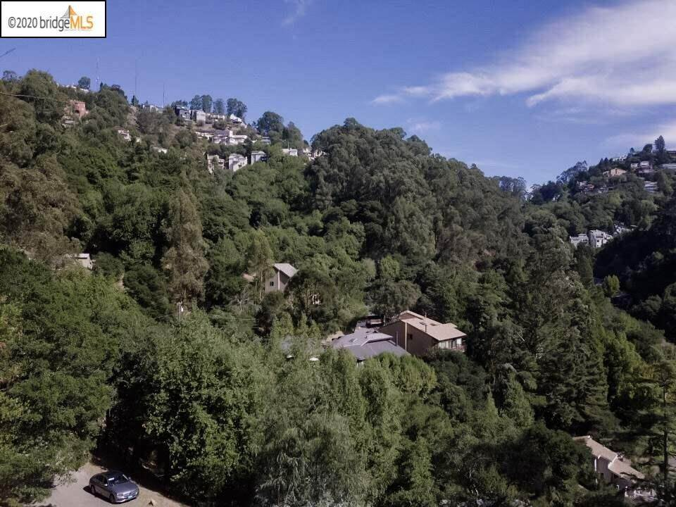 4. Land for Sale at Thorndale Drive Oakland, California 94611 United States