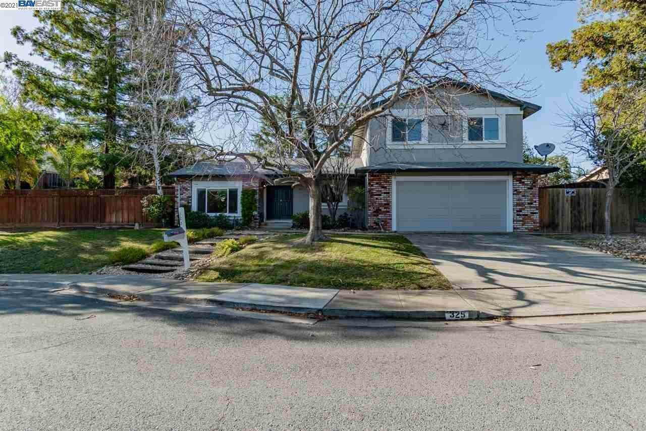 Single Family Homes for Sale at 325 Roundhill Court Clayton, California 94517 United States