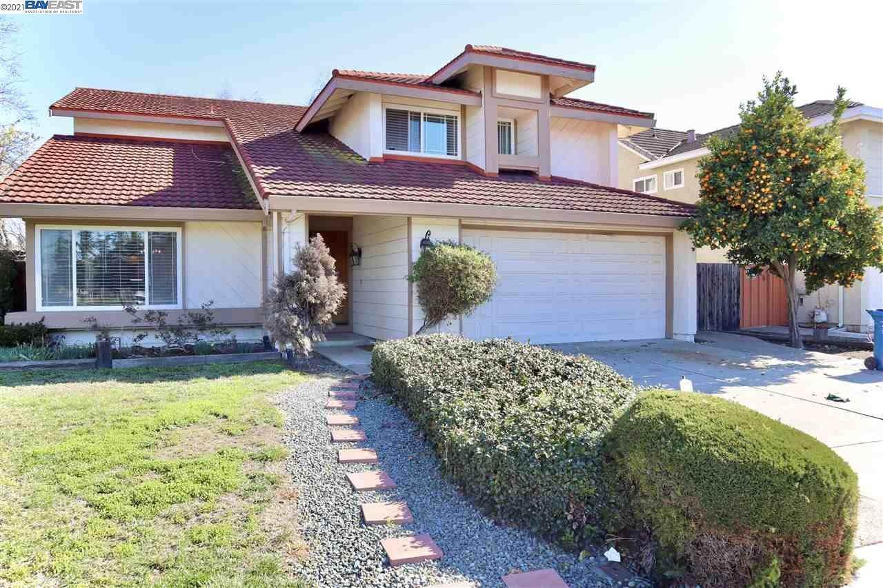 Single Family Homes en 32861 REGENTS BLVD Union City, California 94587 Estados Unidos