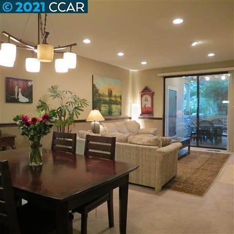 Condominiums at 2683 OAK Road Walnut Creek, カリフォルニア 94597 アメリカ
