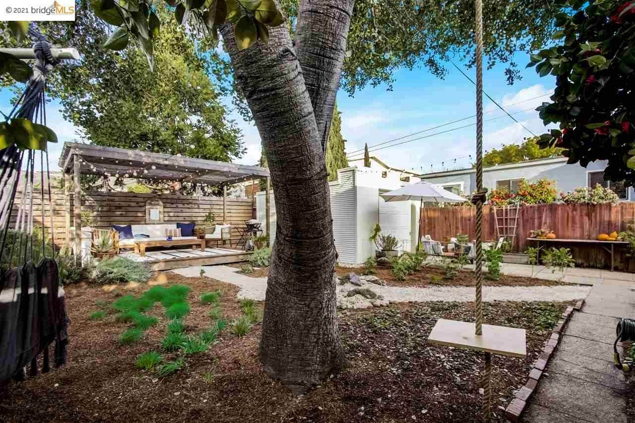 20. Single Family Homes for Sale at 6120 Camden Street Oakland, California 94605 United States