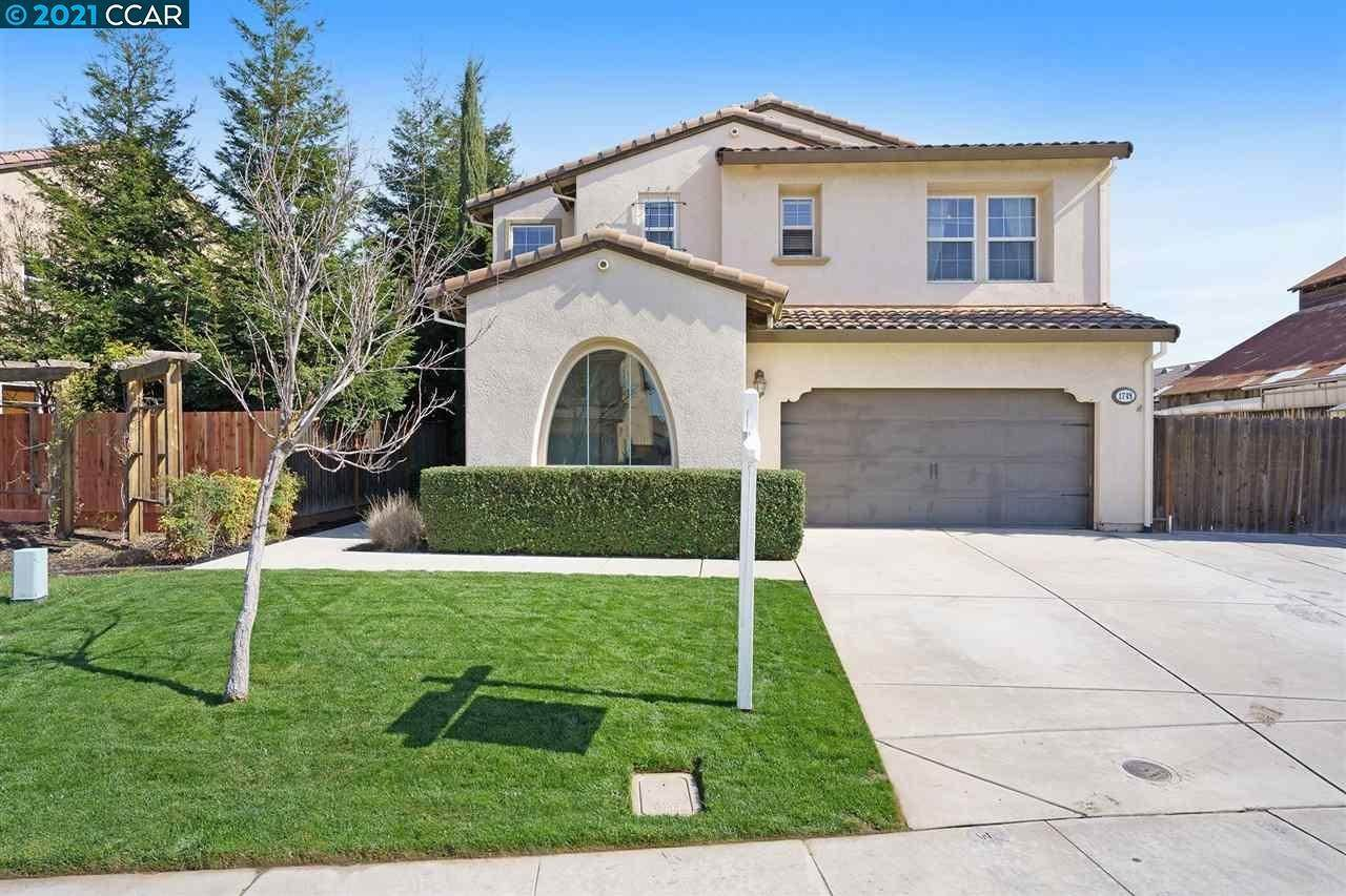 Single Family Homes للـ Sale في 1748 Bandoni Lane Manteca, California 95337 United States