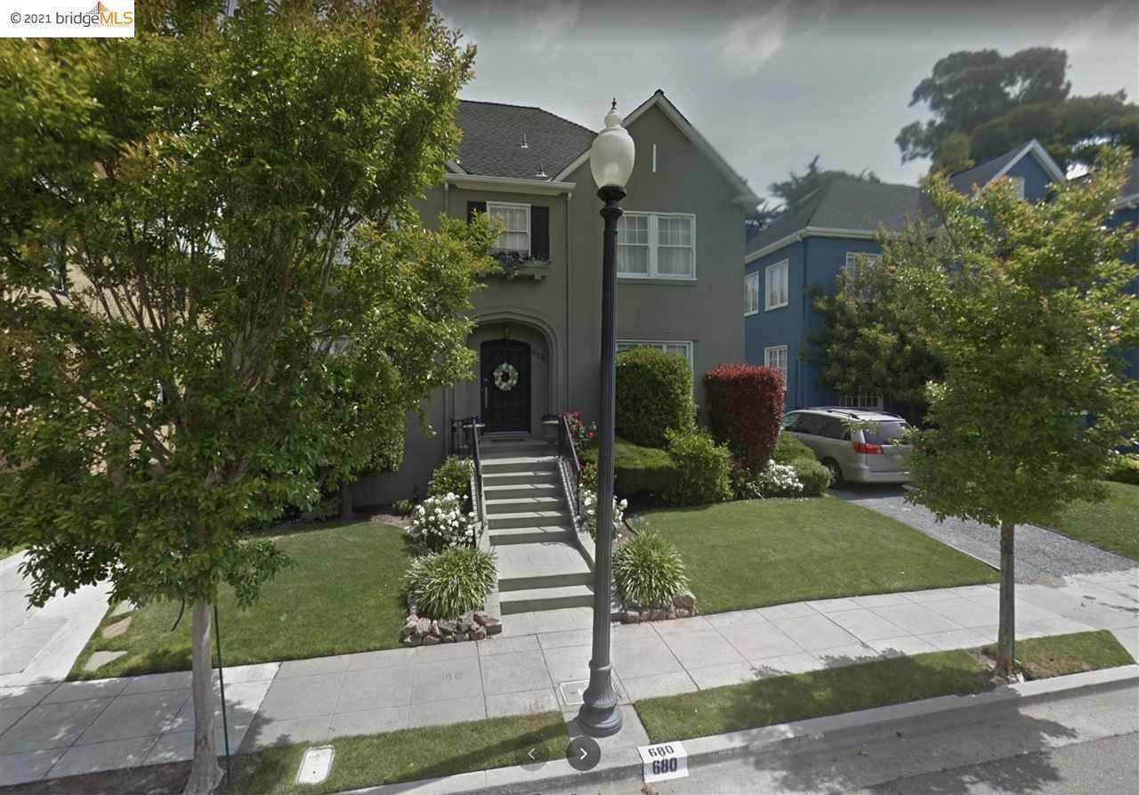 Single Family Homes for Sale at 680 Trestle Glen Road Oakland, California 94610 United States