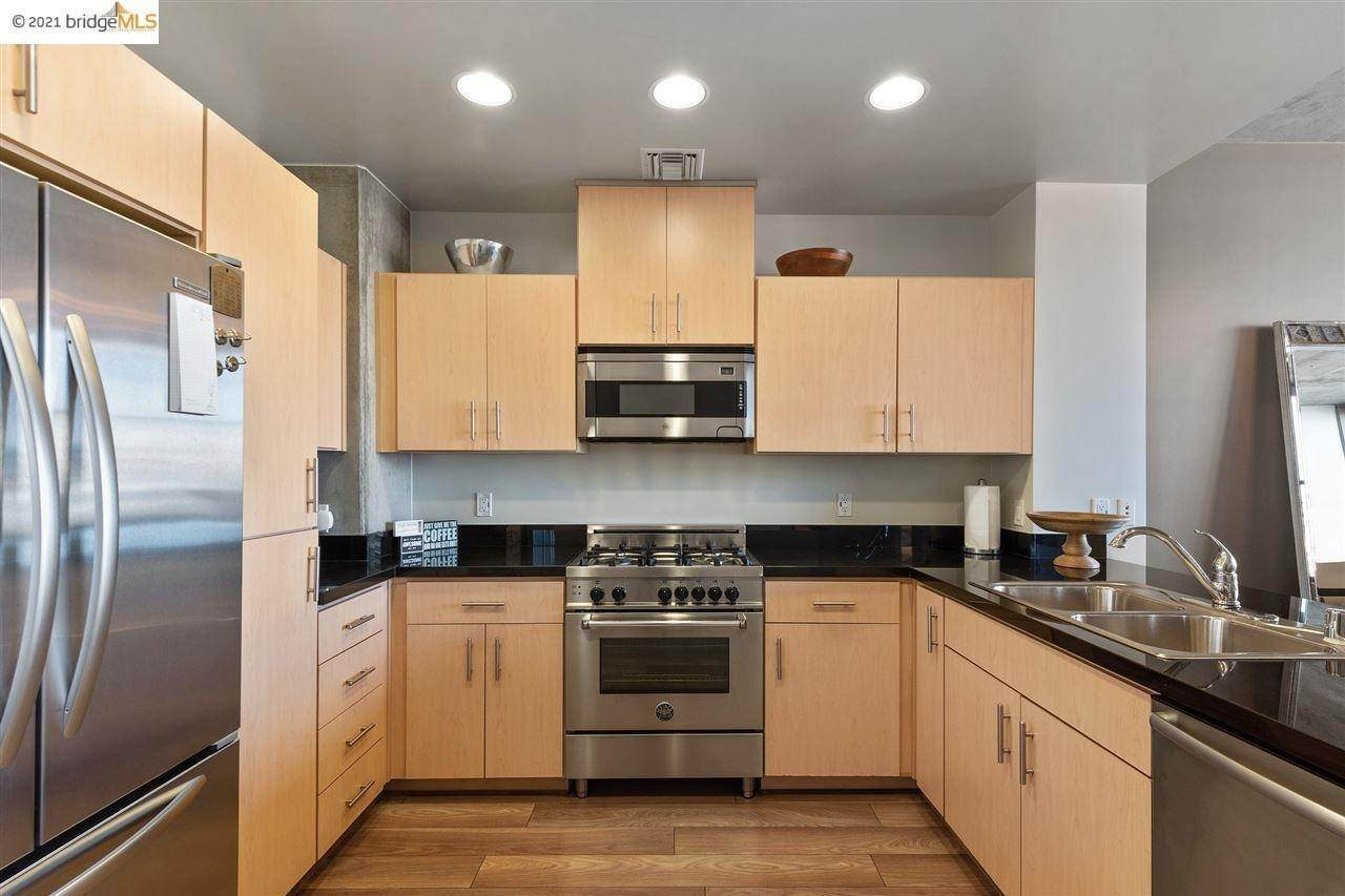 10. Condominiums for Sale at 311 2nd Street Oakland, California 94607 United States