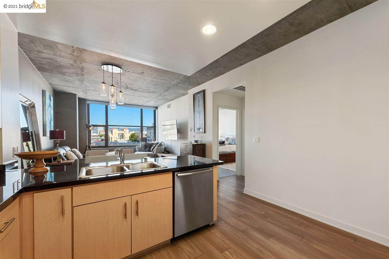 11. Condominiums for Sale at 311 2nd Street Oakland, California 94607 United States