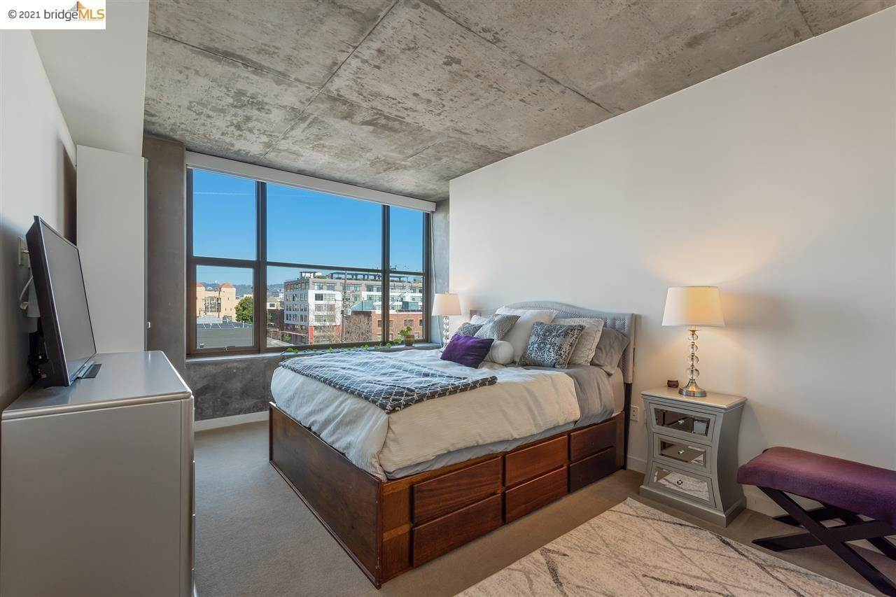 12. Condominiums for Sale at 311 2nd Street Oakland, California 94607 United States