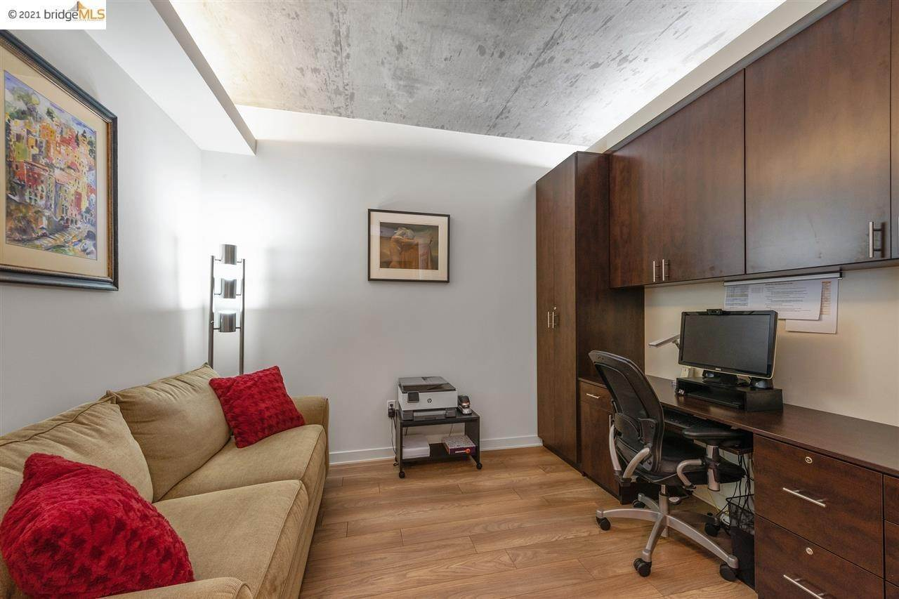 18. Condominiums for Sale at 311 2nd Street Oakland, California 94607 United States