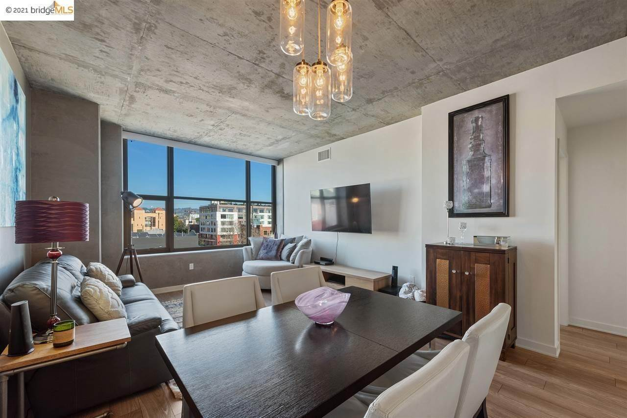 3. Condominiums for Sale at 311 2nd Street Oakland, California 94607 United States