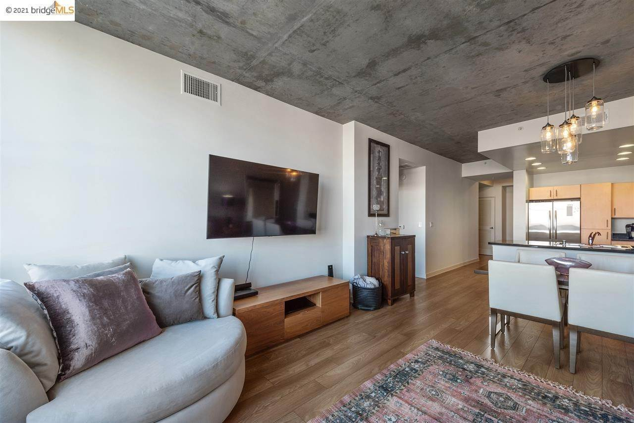 5. Condominiums for Sale at 311 2nd Street Oakland, California 94607 United States