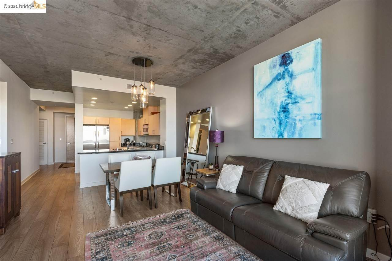 6. Condominiums for Sale at 311 2nd Street Oakland, California 94607 United States