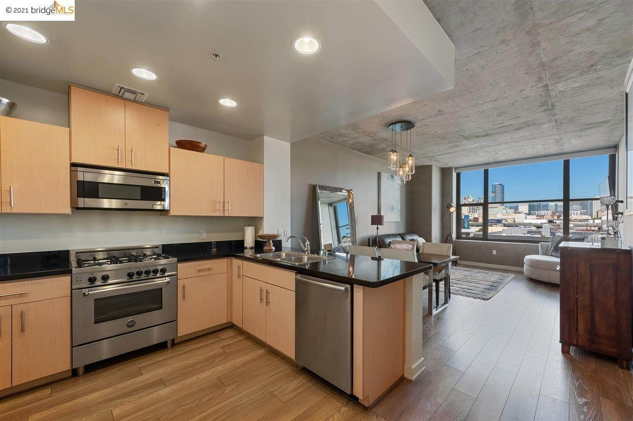 8. Condominiums for Sale at 311 2nd Street Oakland, California 94607 United States