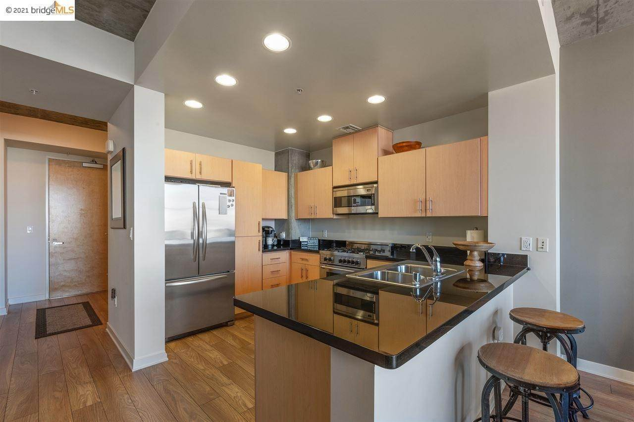 9. Condominiums for Sale at 311 2nd Street Oakland, California 94607 United States