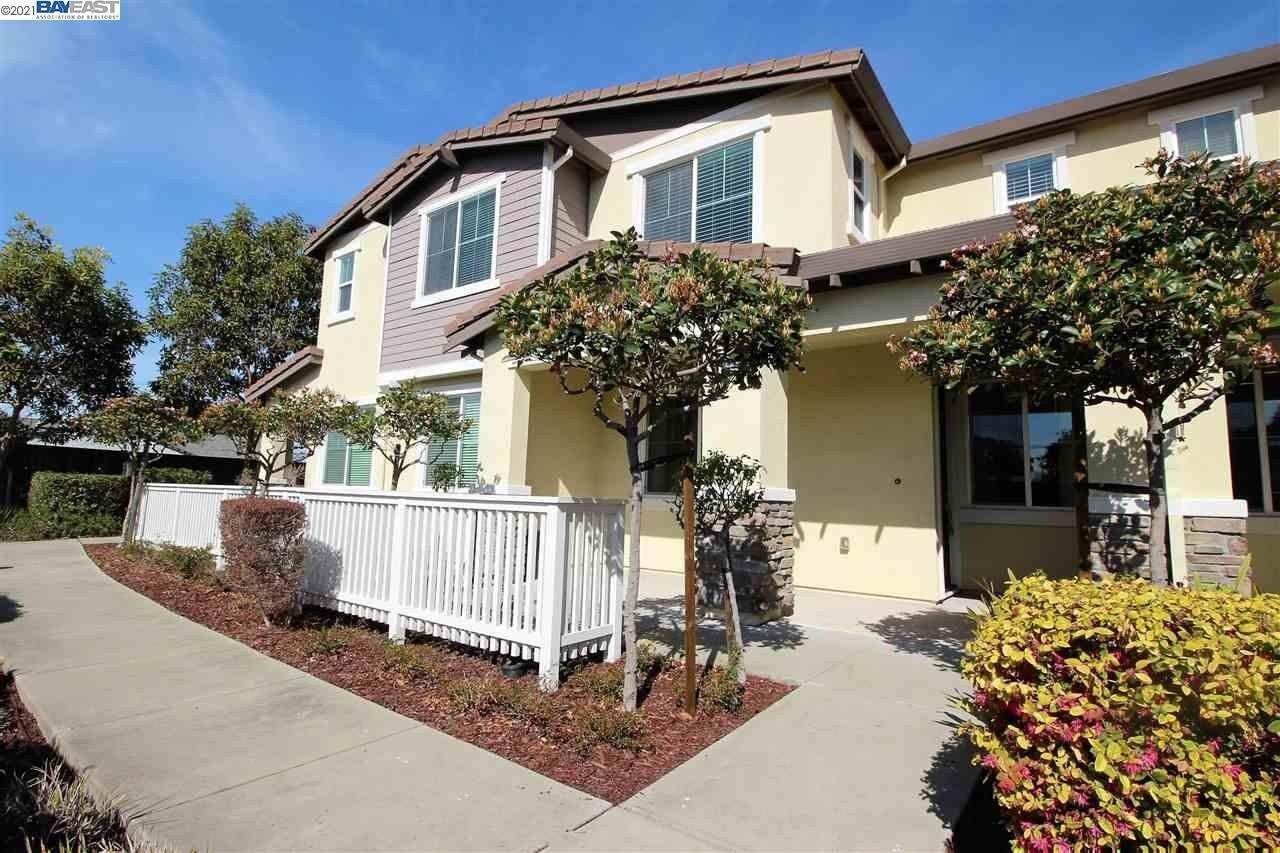 townhouses for Sale at 1412 Cobblestone Lane San Lorenzo, California 94580 United States