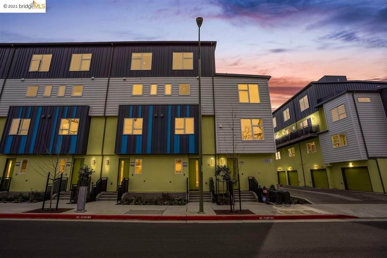 townhouses for Sale at 981 41St Street Oakland, California 94608 United States