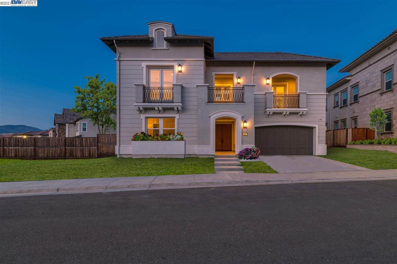 Single Family Homes for Sale at 201 Sandcherry Court San Ramon, California 94582 United States
