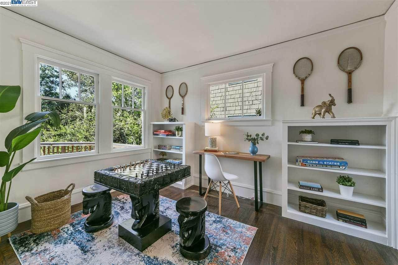 9. Single Family Homes for Sale at 781 ROSEMOUNT ROAD Oakland, California 94610 United States