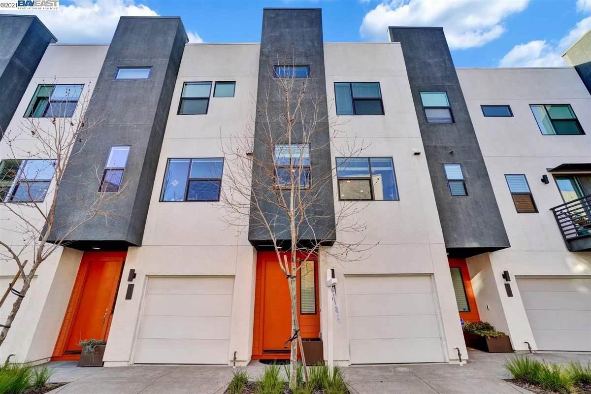 townhouses for Sale at 1409 Pullman Way Oakland, California 94607 United States