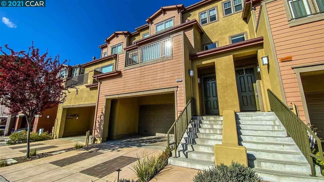 townhouses for Sale at 6480 Bayview Drive Oakland, California 94605 United States