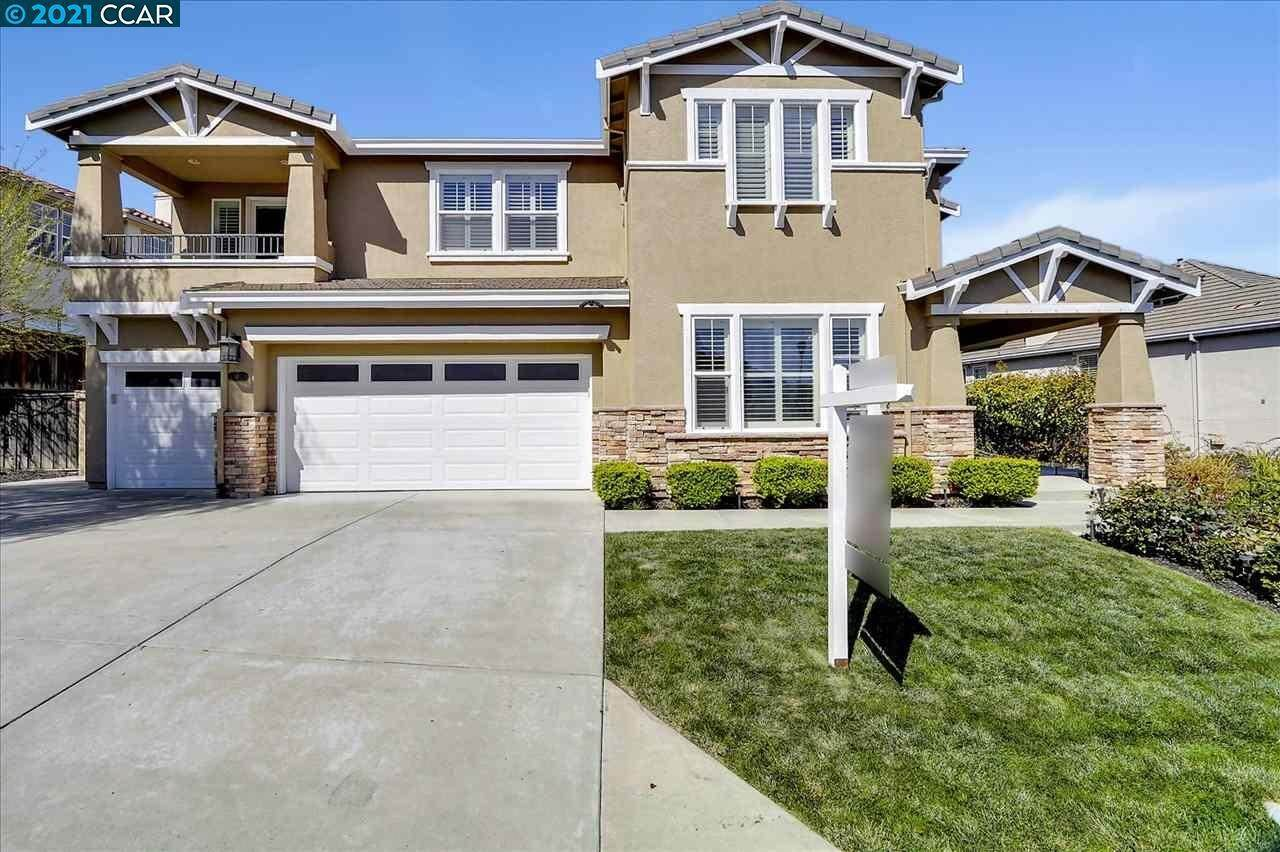 Single Family Homes for Sale at 987 Maplegate Court Concord, California 94521 United States