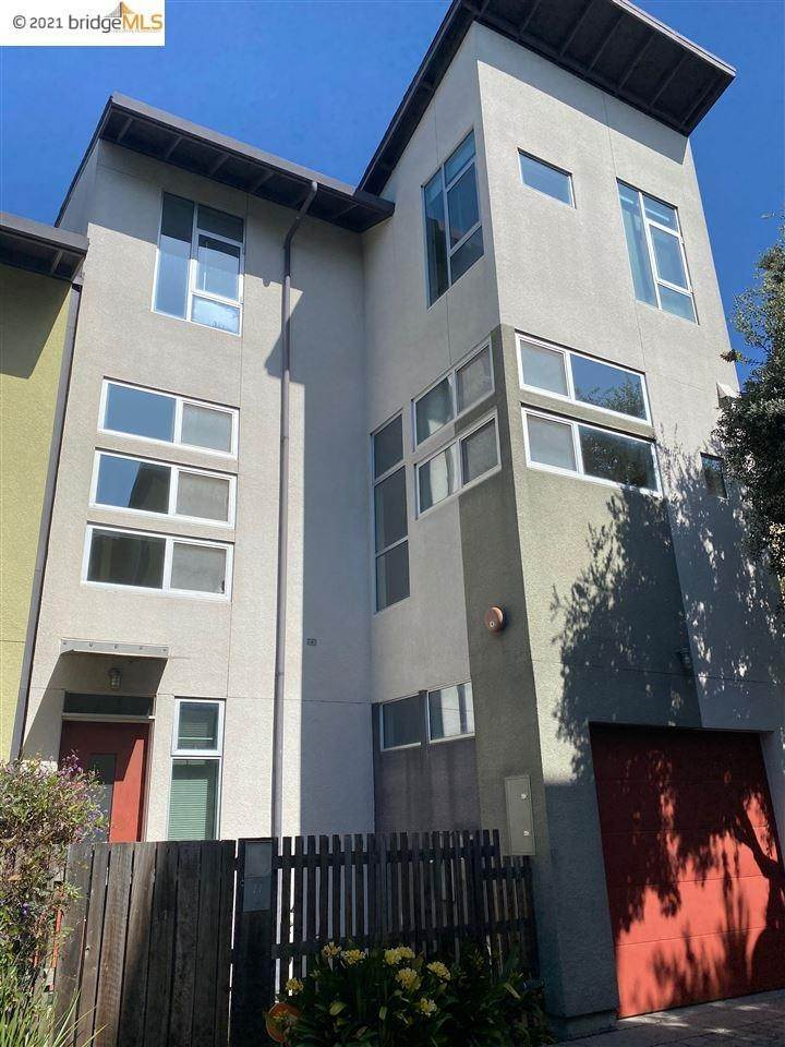 townhouses for Sale at 27 Covent Lane Oakland, California 94608 United States