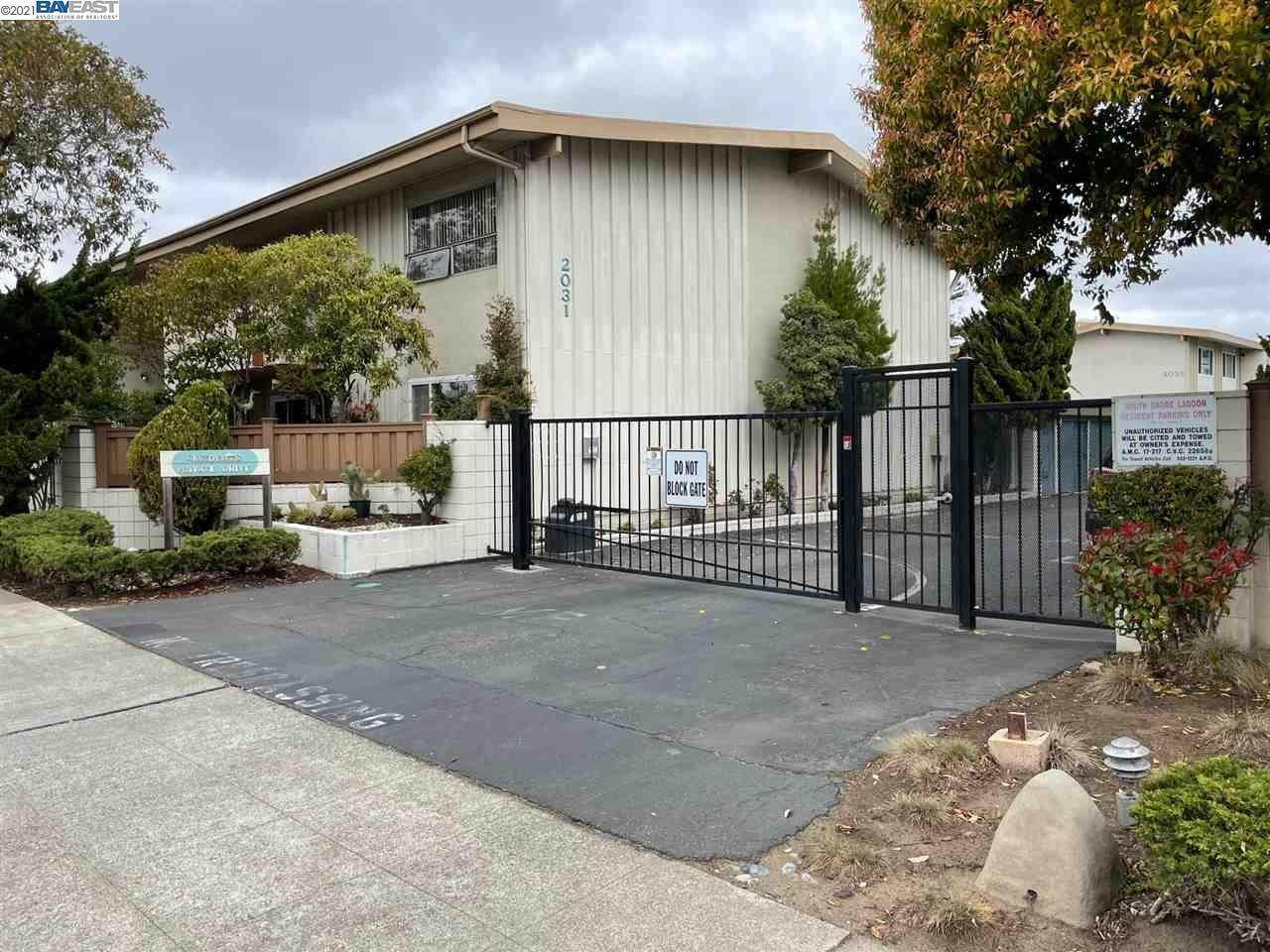 17. Condominiums for Sale at 2035 Otis Drive Alameda, California 94501 United States
