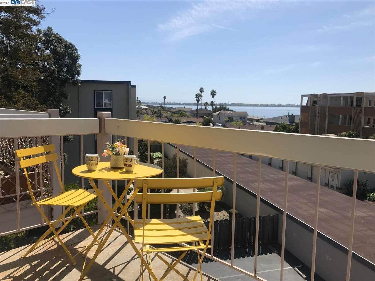 2. Condominiums for Sale at 960 Shorepoint Court Alameda, California 94501 United States