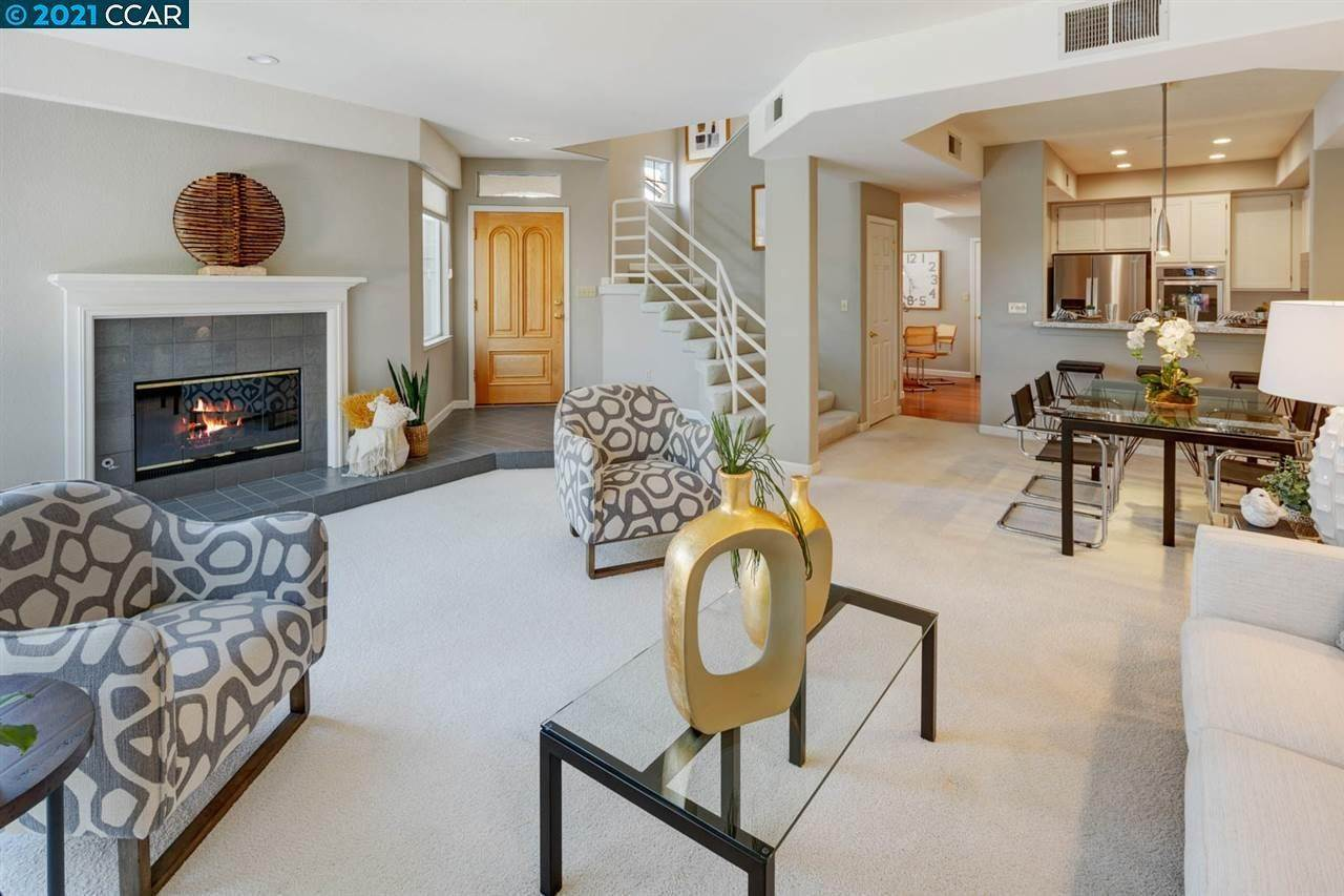 townhouses for Sale at 902 Vista Pointe Drive San Ramon, California 94582 United States