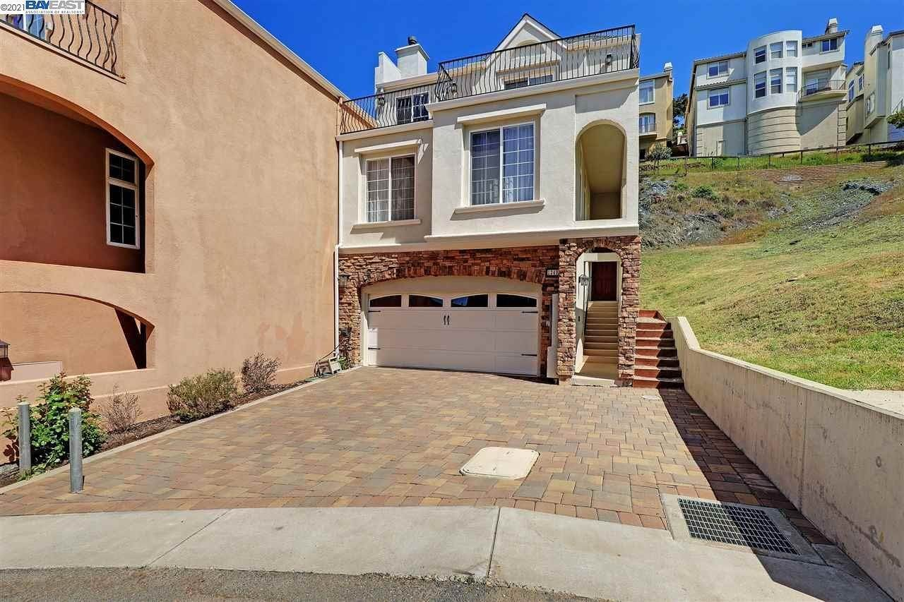 townhouses for Sale at 1240 Ariane Court Oakland, California 94619 United States