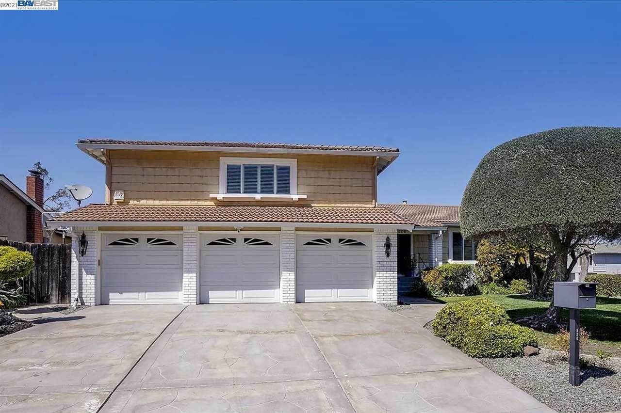 Single Family Homes for Sale at 526 Santander Drive San Ramon, California 94583 United States
