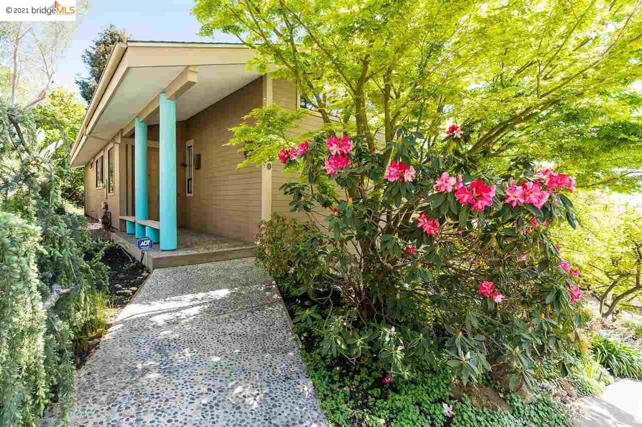 6. Single Family Homes for Sale at 6230 Fairlane Drive Oakland, California 94611 United States