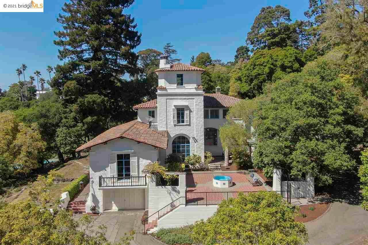 Single Family Homes for Sale at 111 Southampton Avenue Berkeley, California 94707 United States