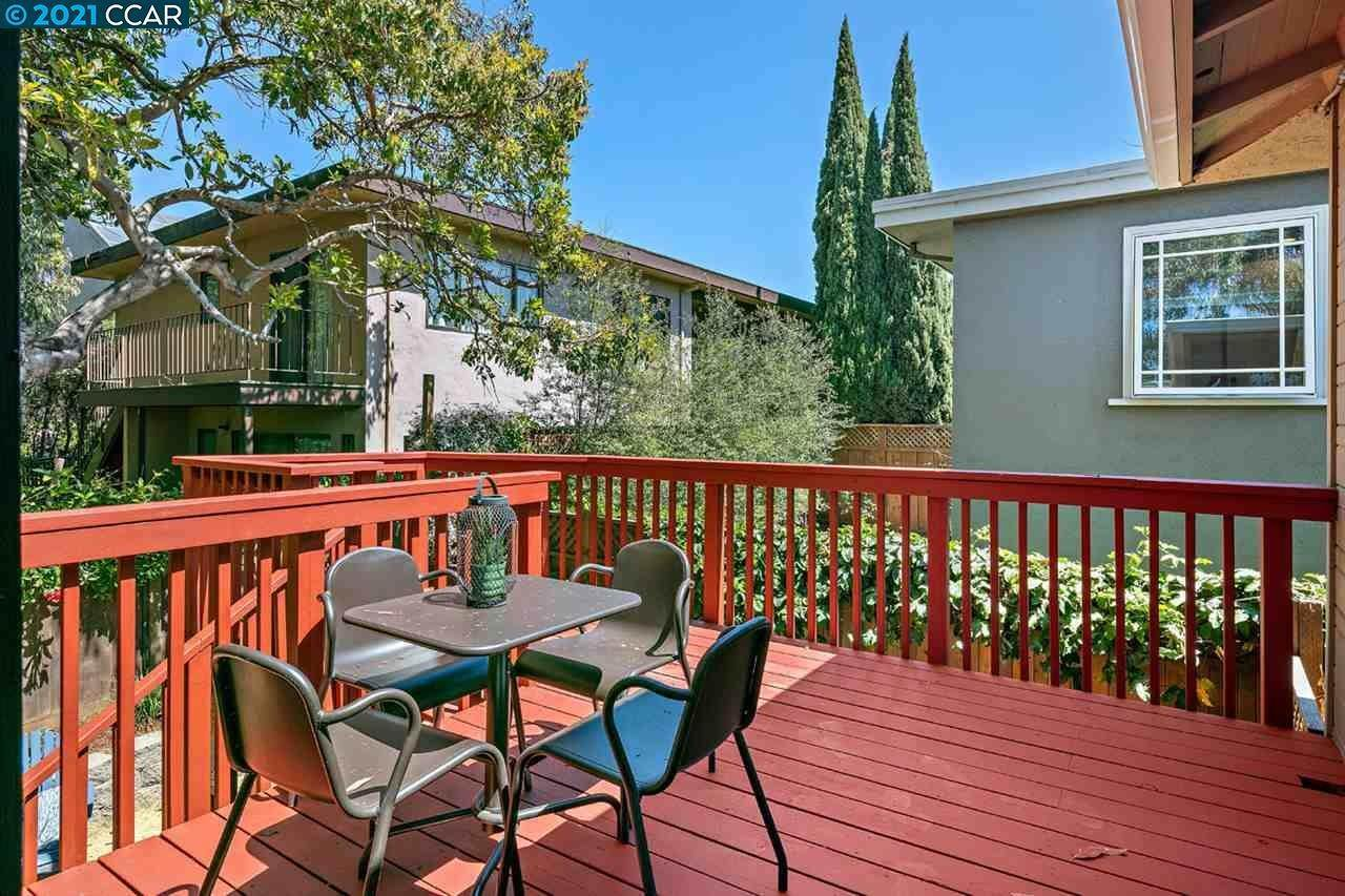 18. Single Family Homes for Sale at 482 Clifton Street Oakland, California 94618 United States