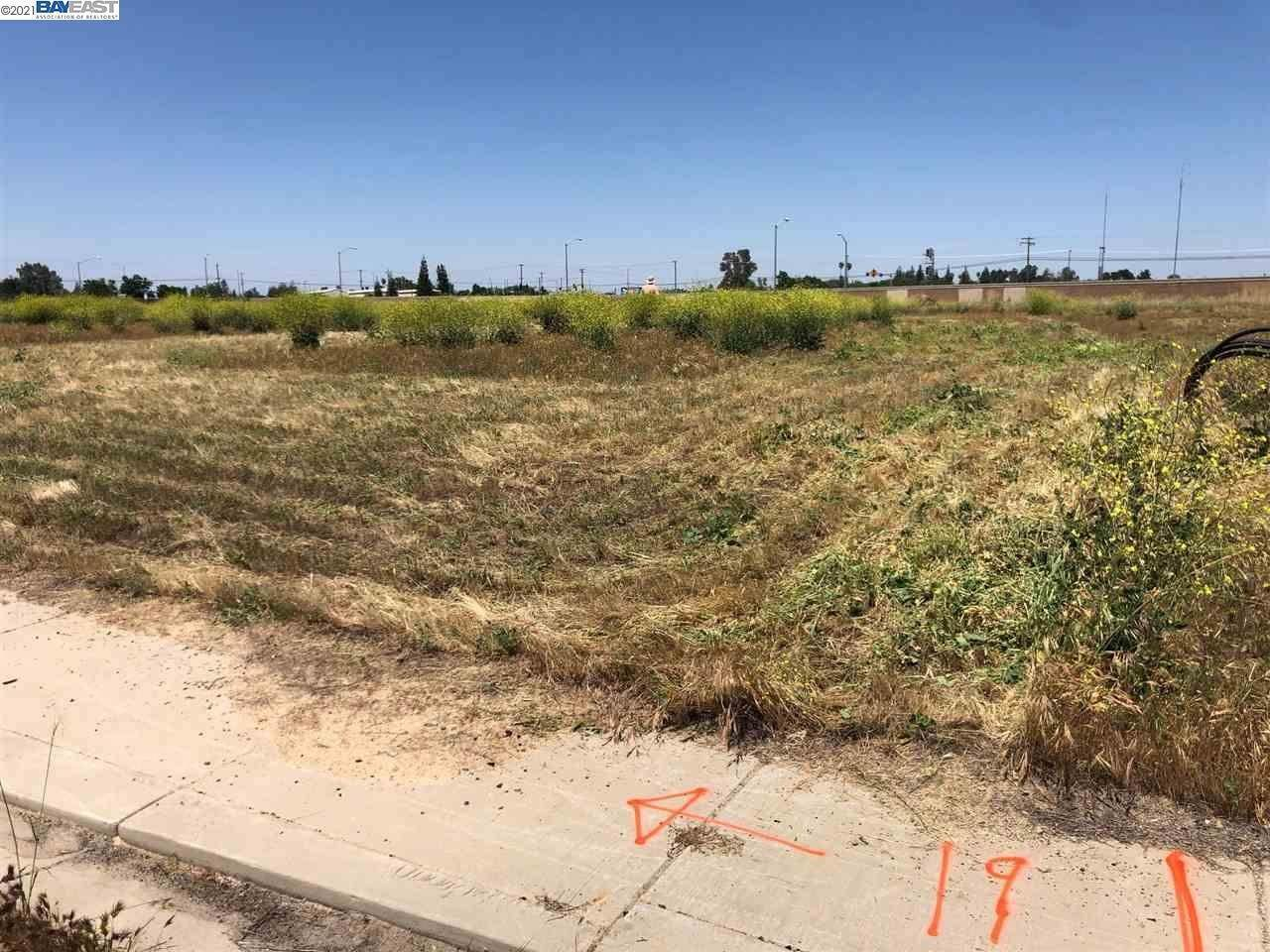Land for Sale at 181 kelly Court Atwater, California 95301 United States