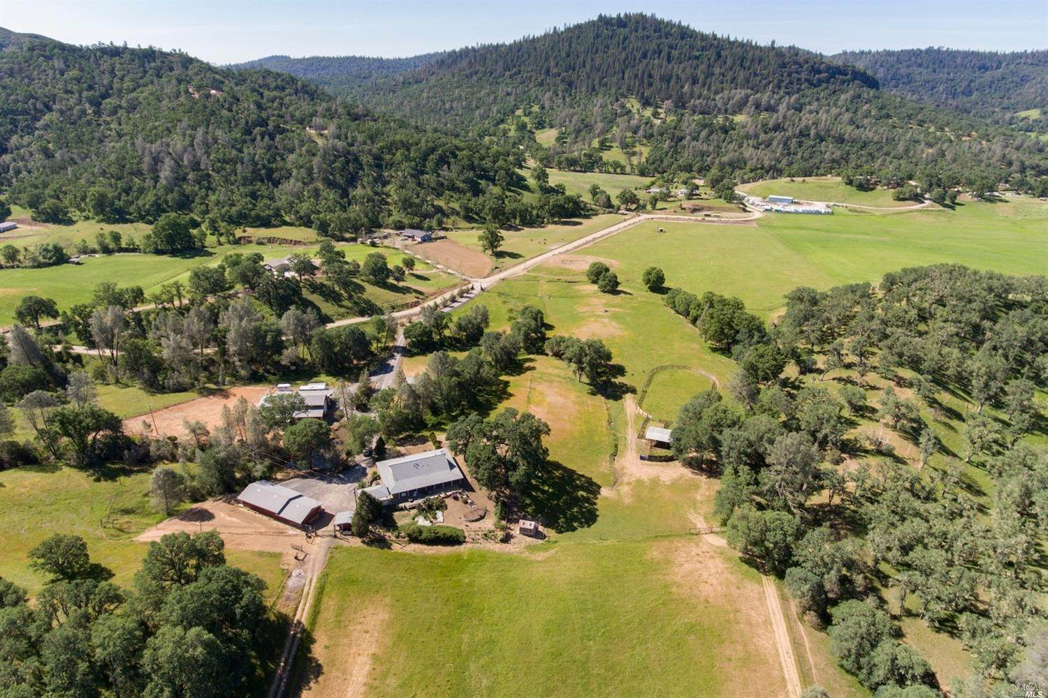 Single Family Homes للـ Sale في 17900 Cantwell Ranch Road, Lower Lake Lower Lake, California 95457 United States