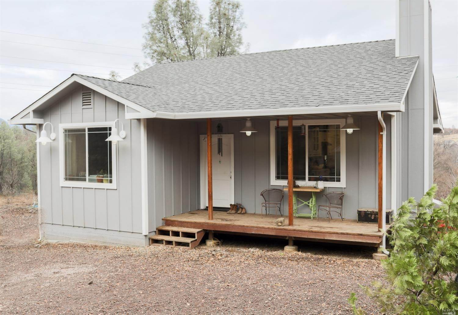 Single Family Homes のために 売買 アット 10165 Bell Avenue, Lower Lake Lower Lake, カリフォルニア 95457 アメリカ