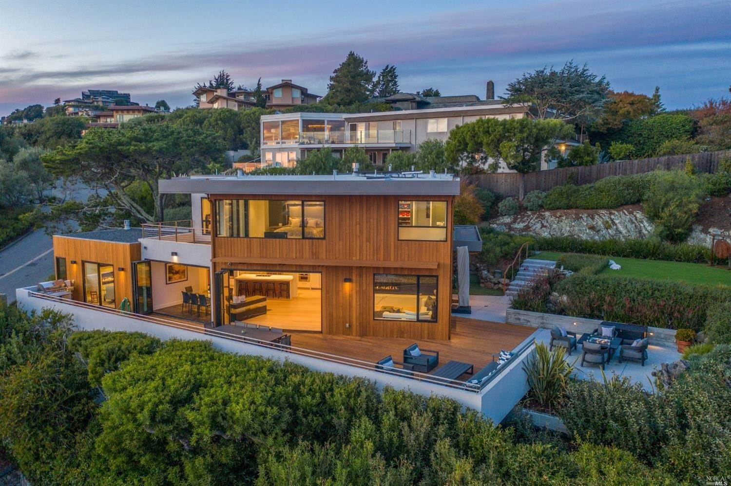 Single Family Homes for Sale at 86 Sugarloaf Drive, Tiburon Tiburon, California 94920 United States