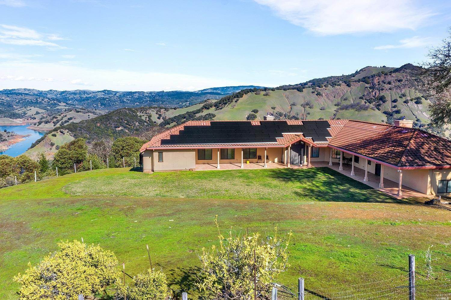 Single Family Homes للـ Sale في 14450 Rockpile Road, Geyserville Geyserville, California 95441 United States