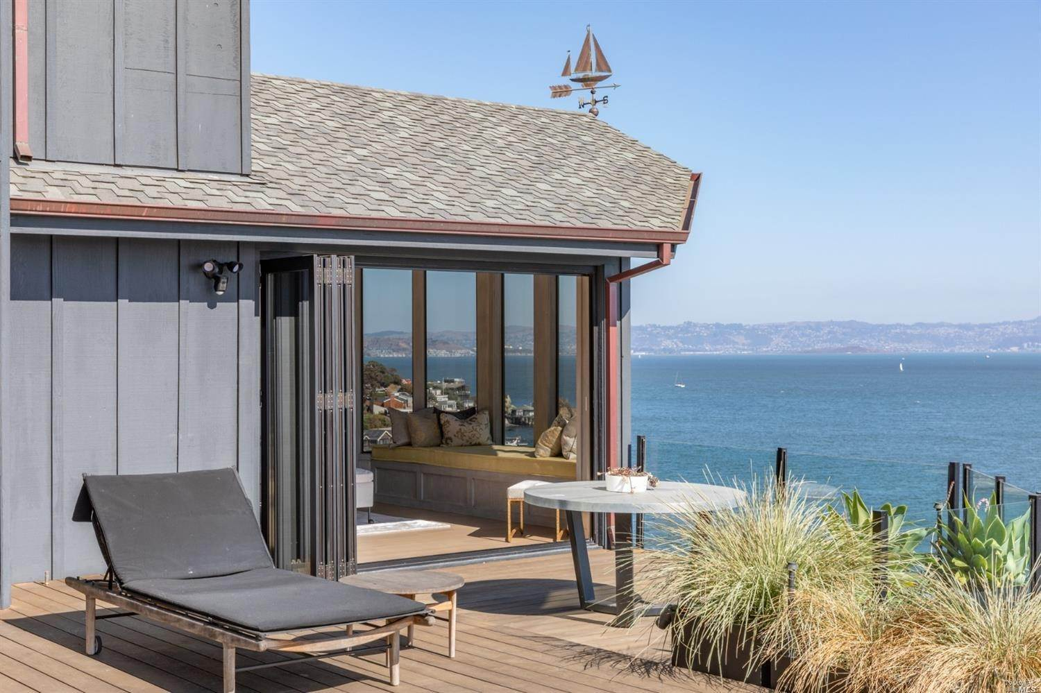 5. Single Family Homes for Sale at 10 Tower Point Lane Tiburon, California 94920 United States
