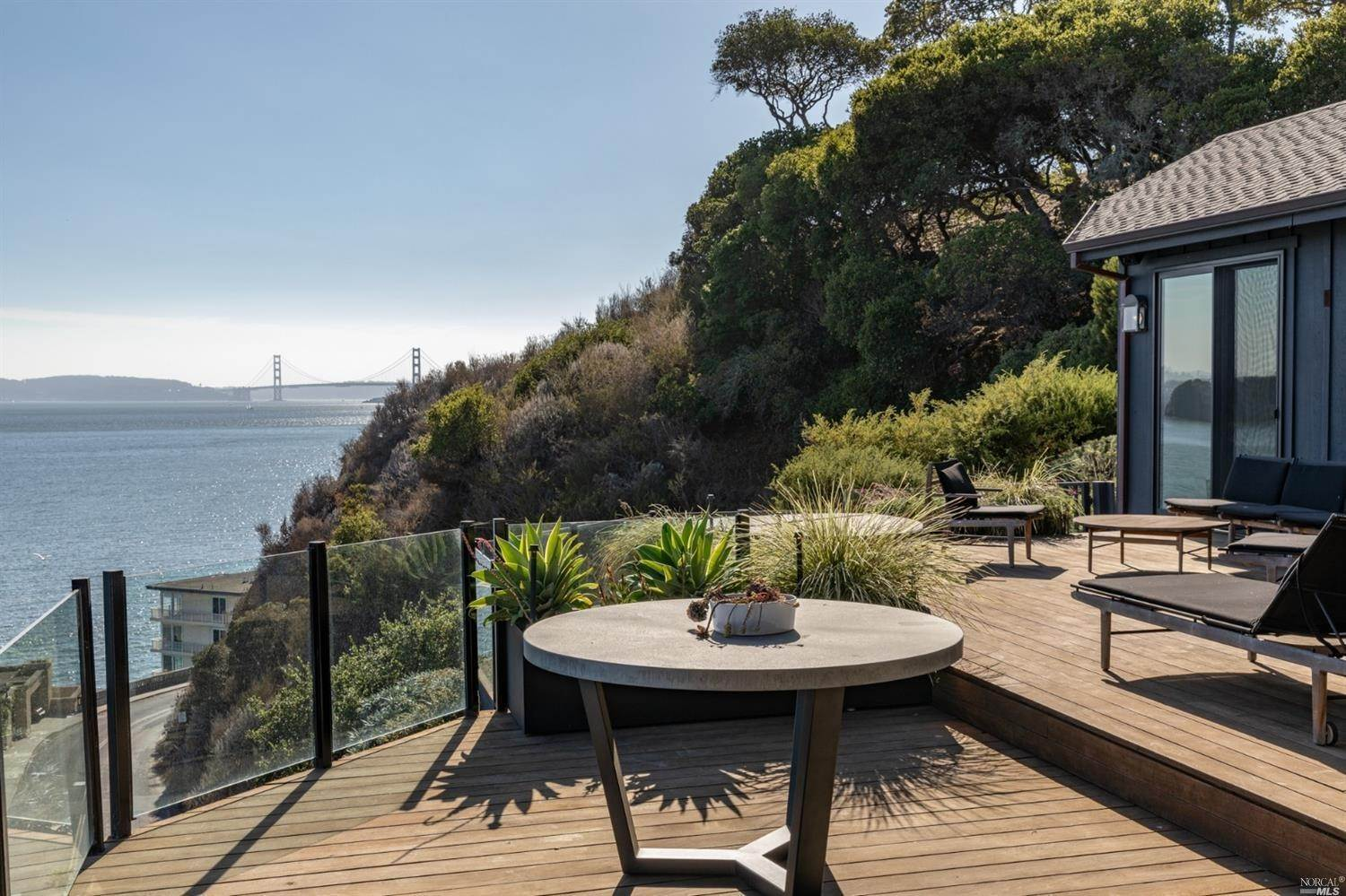6. Single Family Homes for Sale at 10 Tower Point Lane Tiburon, California 94920 United States