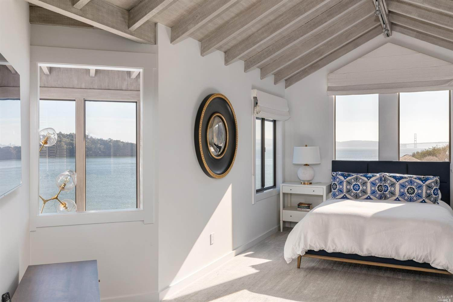 20. Single Family Homes for Sale at 10 Tower Point Lane Tiburon, California 94920 United States