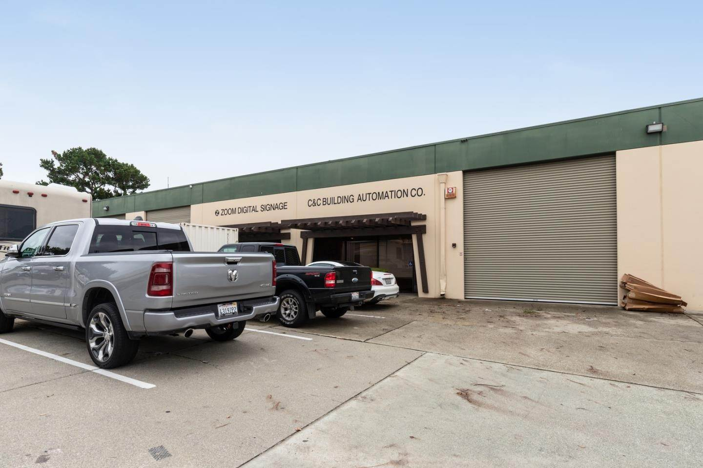 Commercial for Sale at 390 SWIFT AVE 22 South San Francisco, California 94080 United States