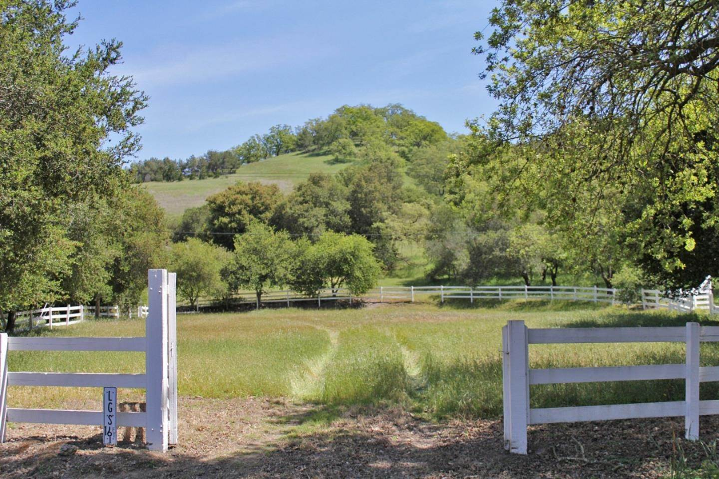 Land for Sale at Twin Oaks Drive Los Gatos, California 95032 United States