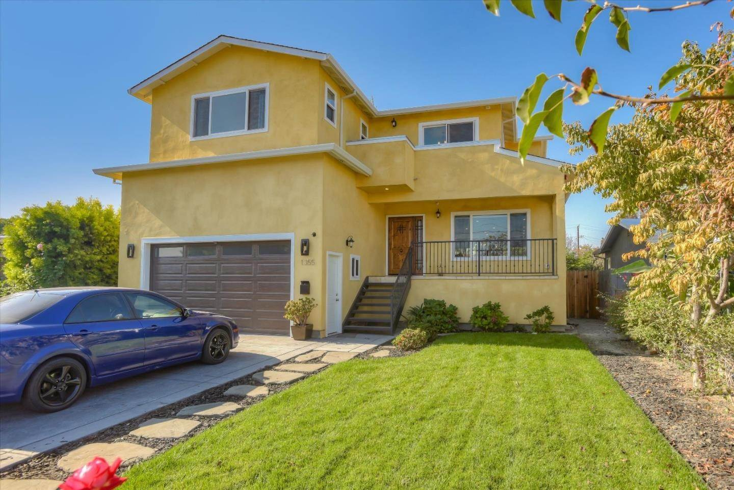 Single Family Homes por un Venta en Gardens, East Palo Alto, California Estados Unidos