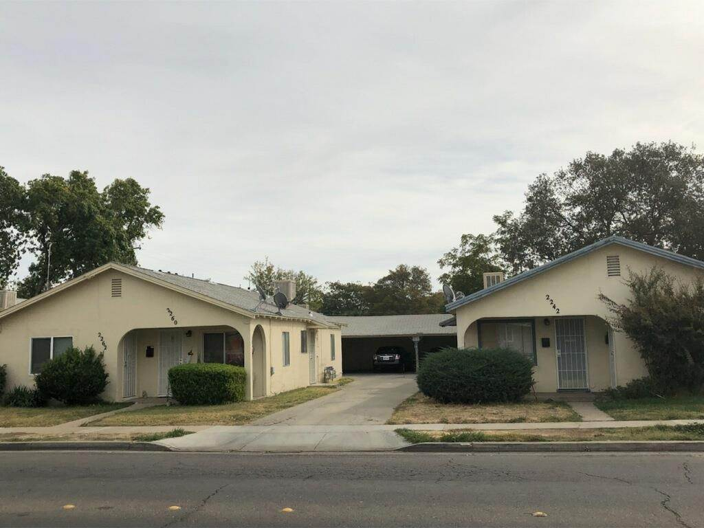 Multi-Family Homes للـ Sale في 2240 Glen Avenue Merced, California 95340 United States