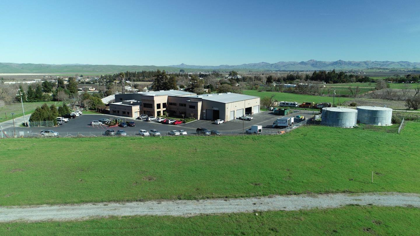 Commercial for Sale at 800 Salinas Road San Juan Bautista, California 95045 United States