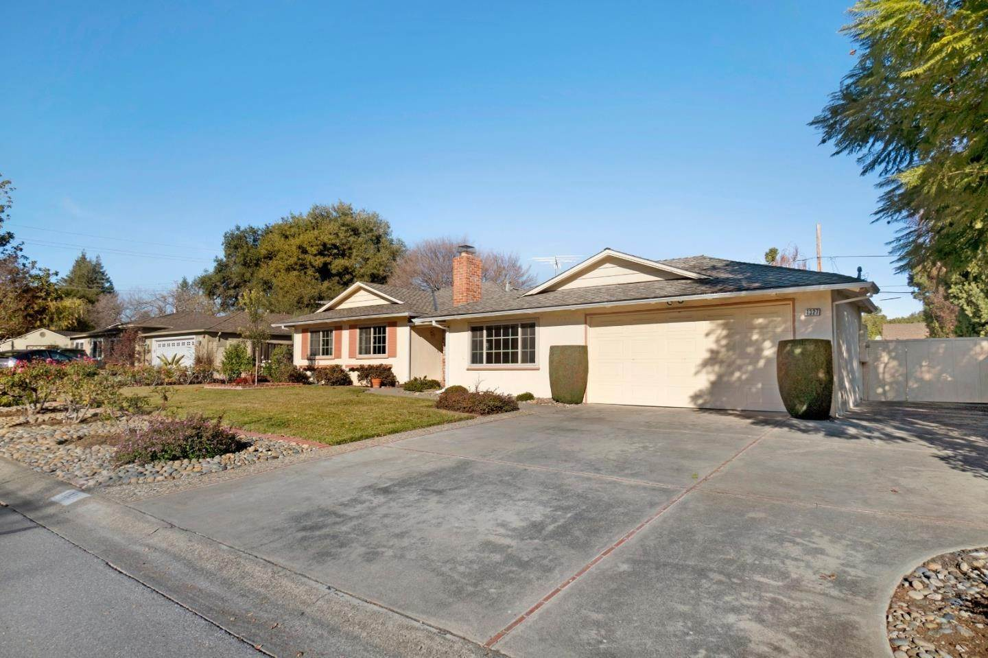 Single Family Homes at 1327 Morton Avenue Los Altos, カリフォルニア 94024 アメリカ