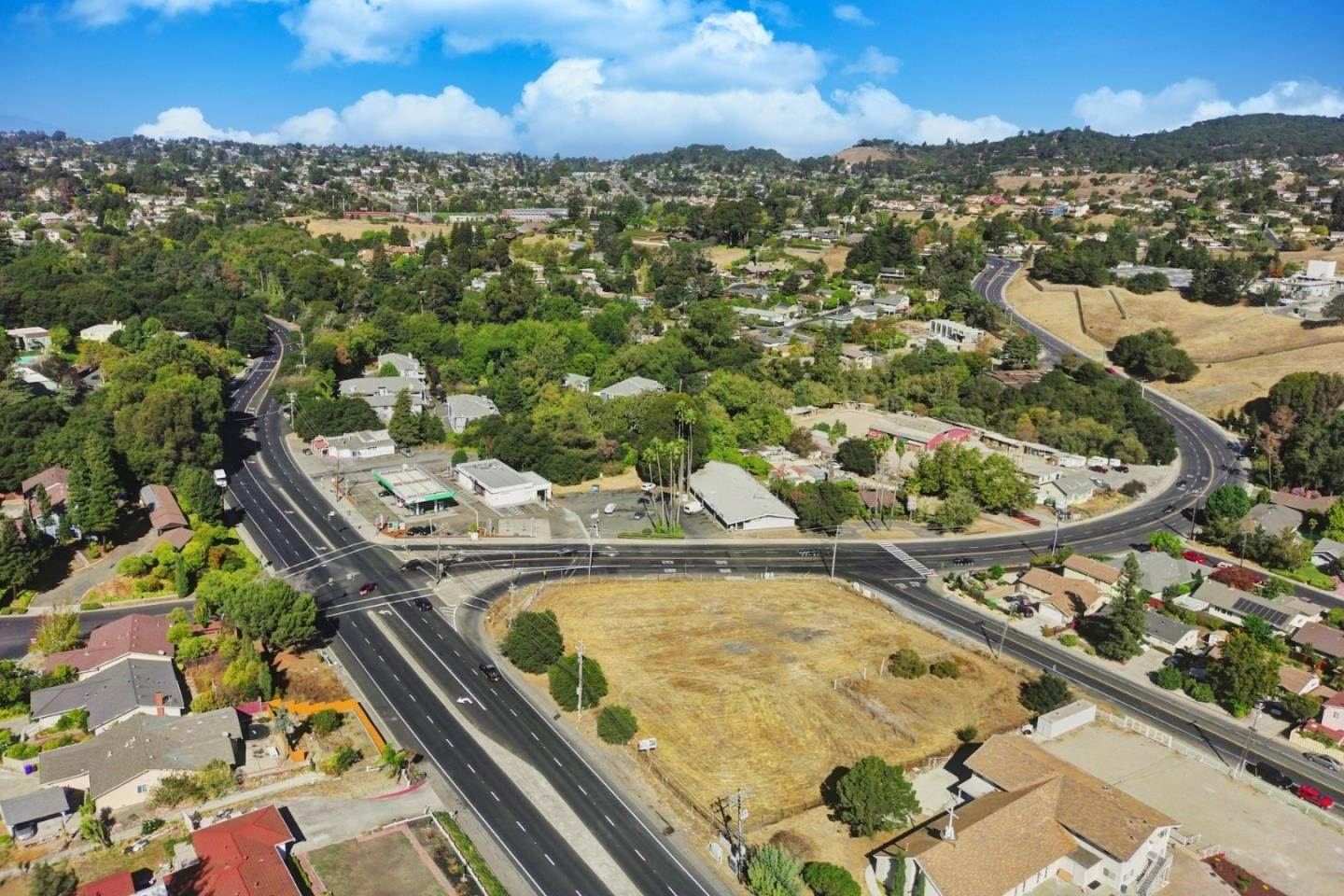 Commercial for Sale at 5327 San Pablo Dam Road El Sobrante, California 94803 United States